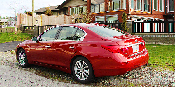 2015 Infiniti Q50 AWD Exterior Rear Side