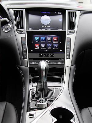 2015 Infiniti Q50 AWD Interior Central Console