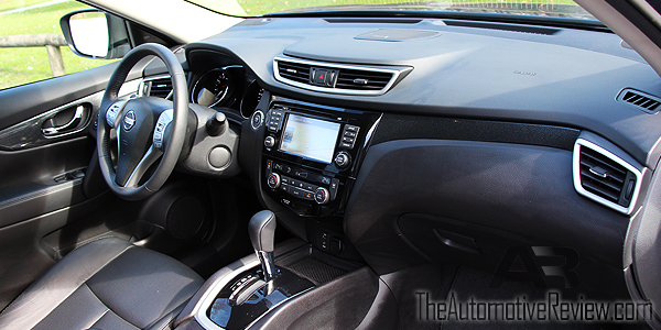 2015 Nissan Rogue Interior Front