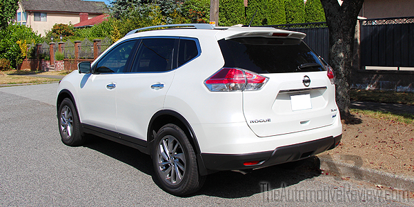 2015 Nissan Rogue White Exterior Rear Side
