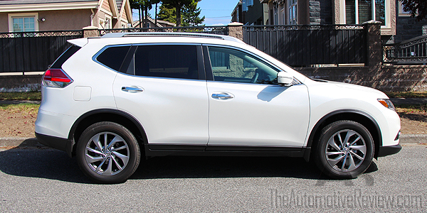 2015 Nissan Rogue White Exterior Side