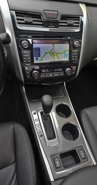 2013 Nissan Altima Sedan Interior Dash