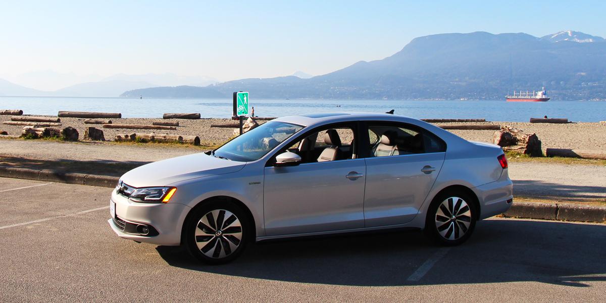 2013 Volkswagen Jetta Hybrid Highline Exterior Front Side 3