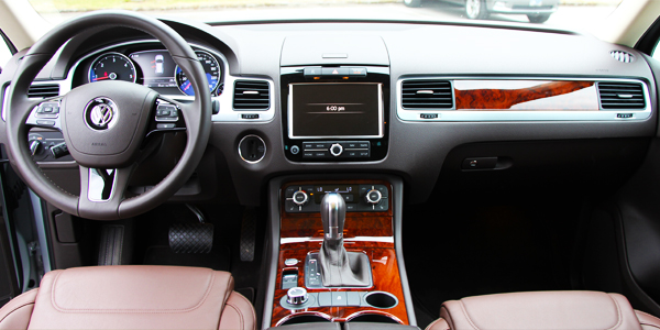 2013 Volkswagen Touareg Execline TDI Interior