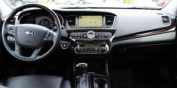 2014 Kia Cadenza Premium Interior