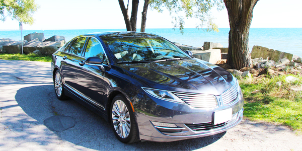 2013 Lincoln MKZ Exterior Front Side