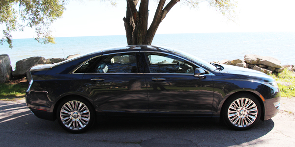 2013 Lincoln MKZ Exterior Side