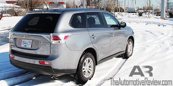 2014 Mitsubishi Outlander Exterior Rear Side