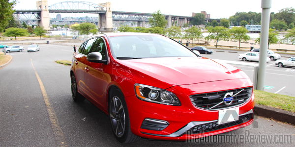 2015 Volvo V60 Sports Wagon R Design Exterior Front Side Low