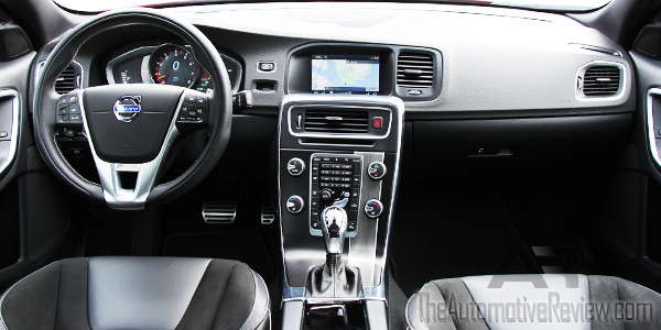 2015 Volvo V60 Sports Wagon R Design Interior Dash