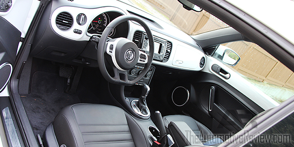 2015 Volkswagen Beetle White Interior Front