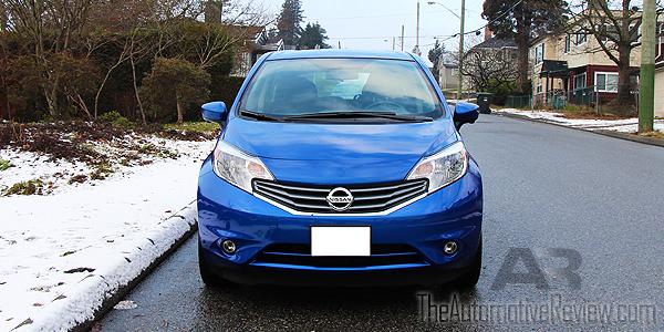 2016 Nissan Versa Note Blue Exterior Front