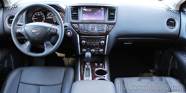 2016 Nissan Pathfinder White Interior Dash