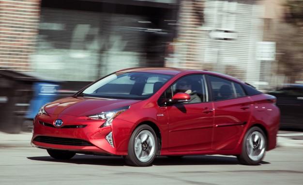 2016-Toyota-Prius-Four-PLACEMENT