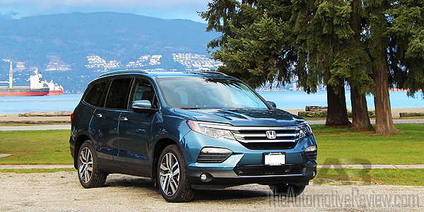 Comparison 2016 Honda Pilot vs 2016 Acura MDX - Blue Pilot Exterior Front Side