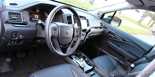 Comparison 2016 Honda Pilot vs 2016 Acura MDX - Blue Pilot Interior Front