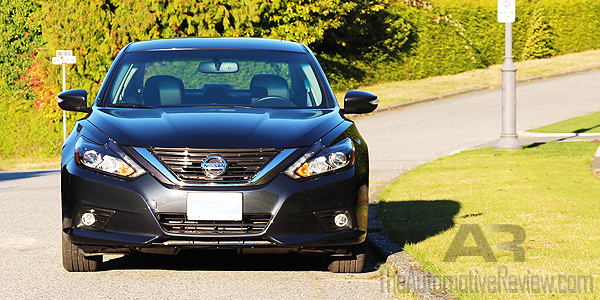 2016-nissan-altima-gray-exterior-front