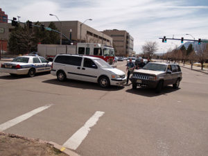 640px-car_accident_in_colorado_springs_by_david_shankbone