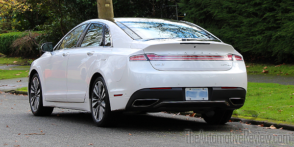 2017-lincoln-mkz-white-exterior-rear-side